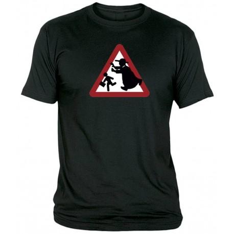 Camiseta Precaución Curas