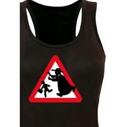 Camiseta tirantes Precaución Curas
